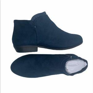Bexley 8.5 WIDE navy suede boots